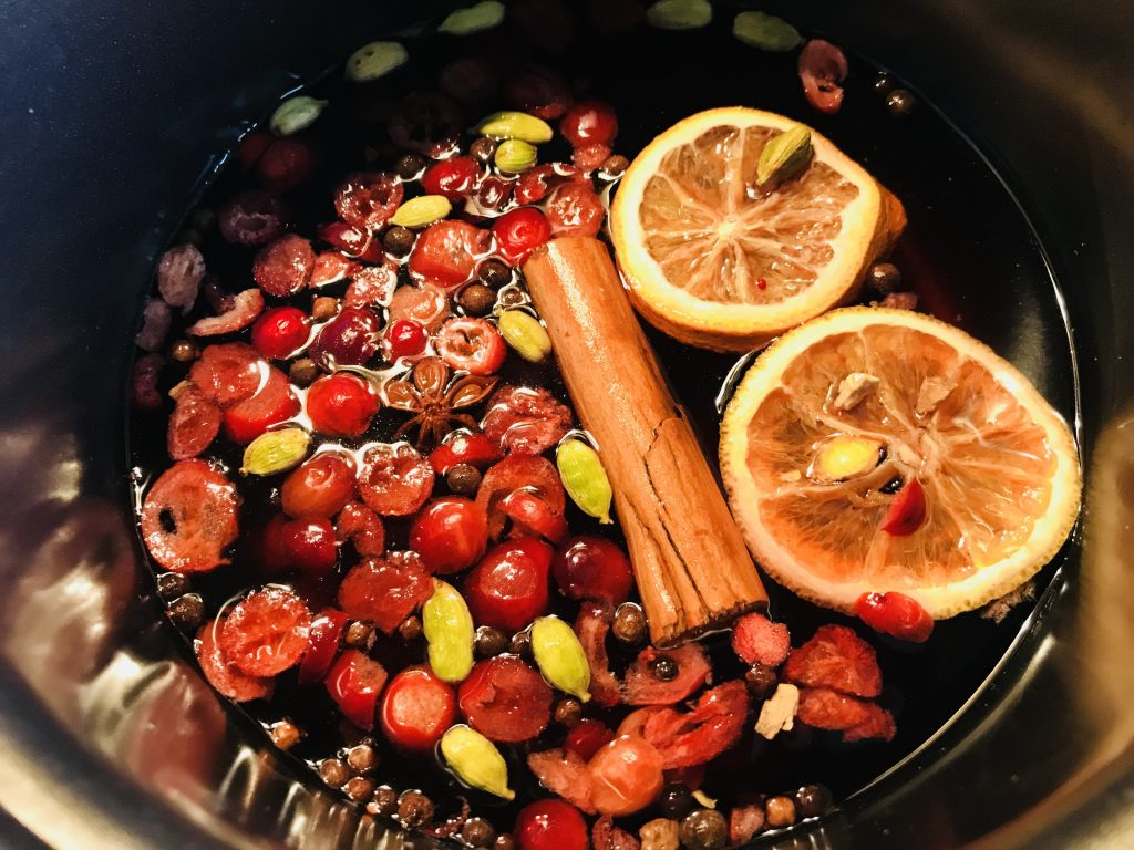 Christmas Non-Alcoholic Mulled Wine Tea Cocktail Recipe Method